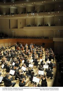 Claudio Abbado, l'Orchestre du Festival et deux inachevées...