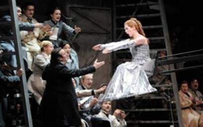 Laurent Pelly revisite Les contes d'Hoffmann à l'Opéra de Lyon